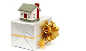 Порядок перехода дарственной квартиры после смерти дарителя или одаряемого