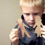 Отец после отказа от ребенка не принимает участие в его воспитании