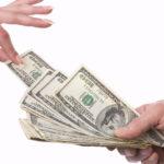 Отдать алименты наличными деньгами