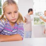 Отец отказывается от воспитания ребенка