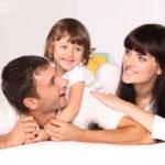 Обязательно регистрация ребенка «привязывается» к прописке родителей