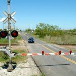 Когда горит запрещающий сигнал на светофоре – нельзя переходить пути