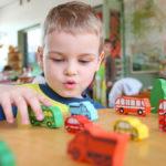 Детей берут в государственные садики без очереди