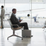 Родитель обязан присутствовать в аэропорту до момента вылета самолета