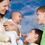 Наличие 3 детей - условие присвоения статуса многодетной матери