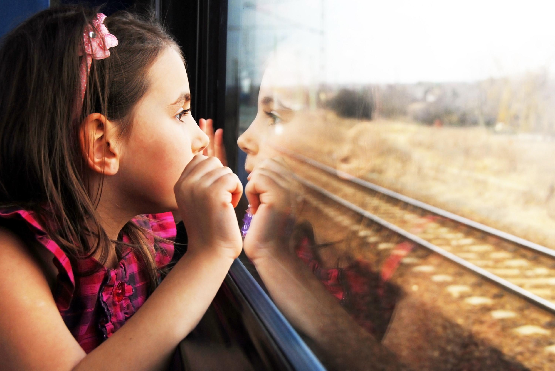 Можно ли несовершеннолетним детям ездить на поезде без сопровождения взрослых
