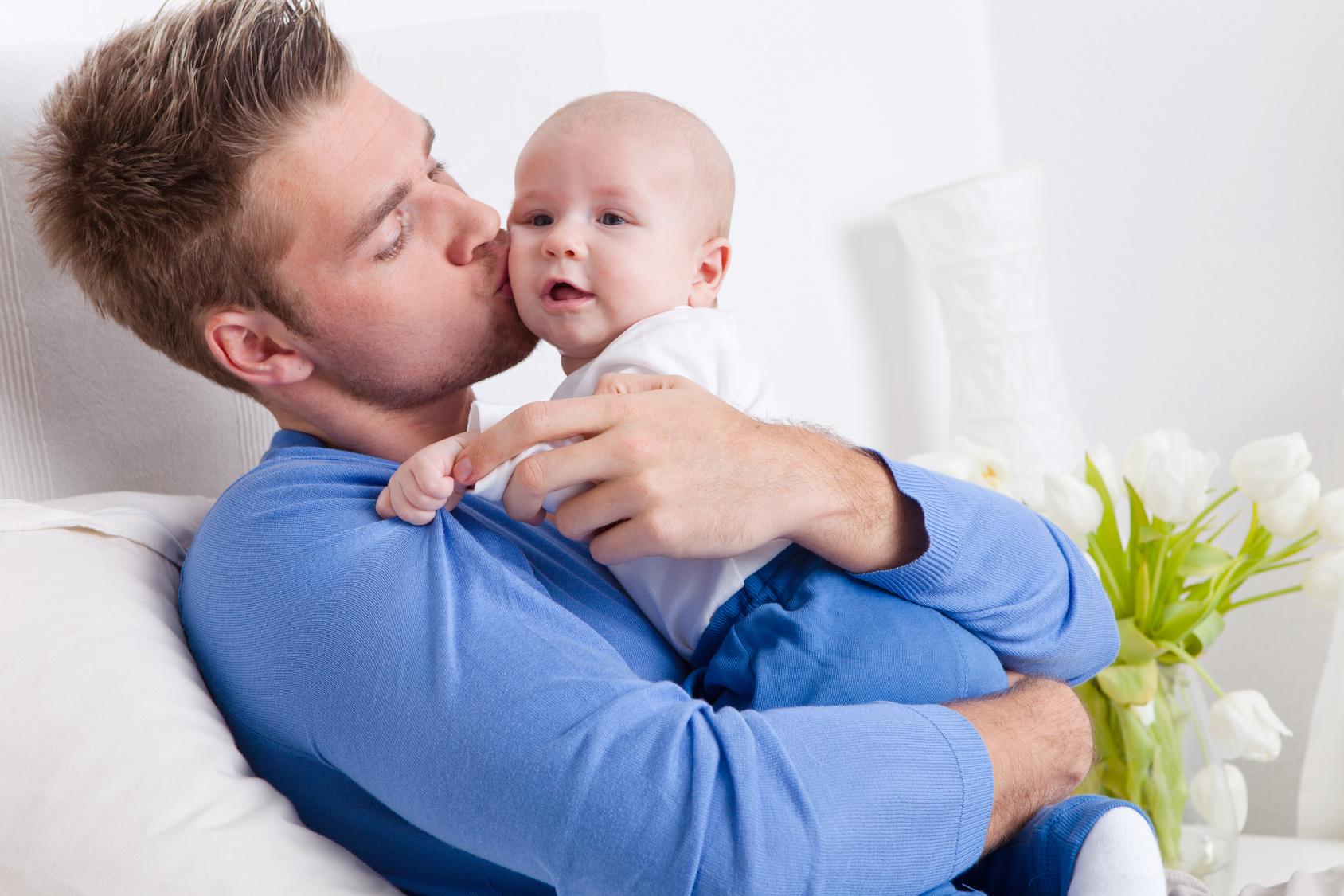 Как доказать отцовство вне брака